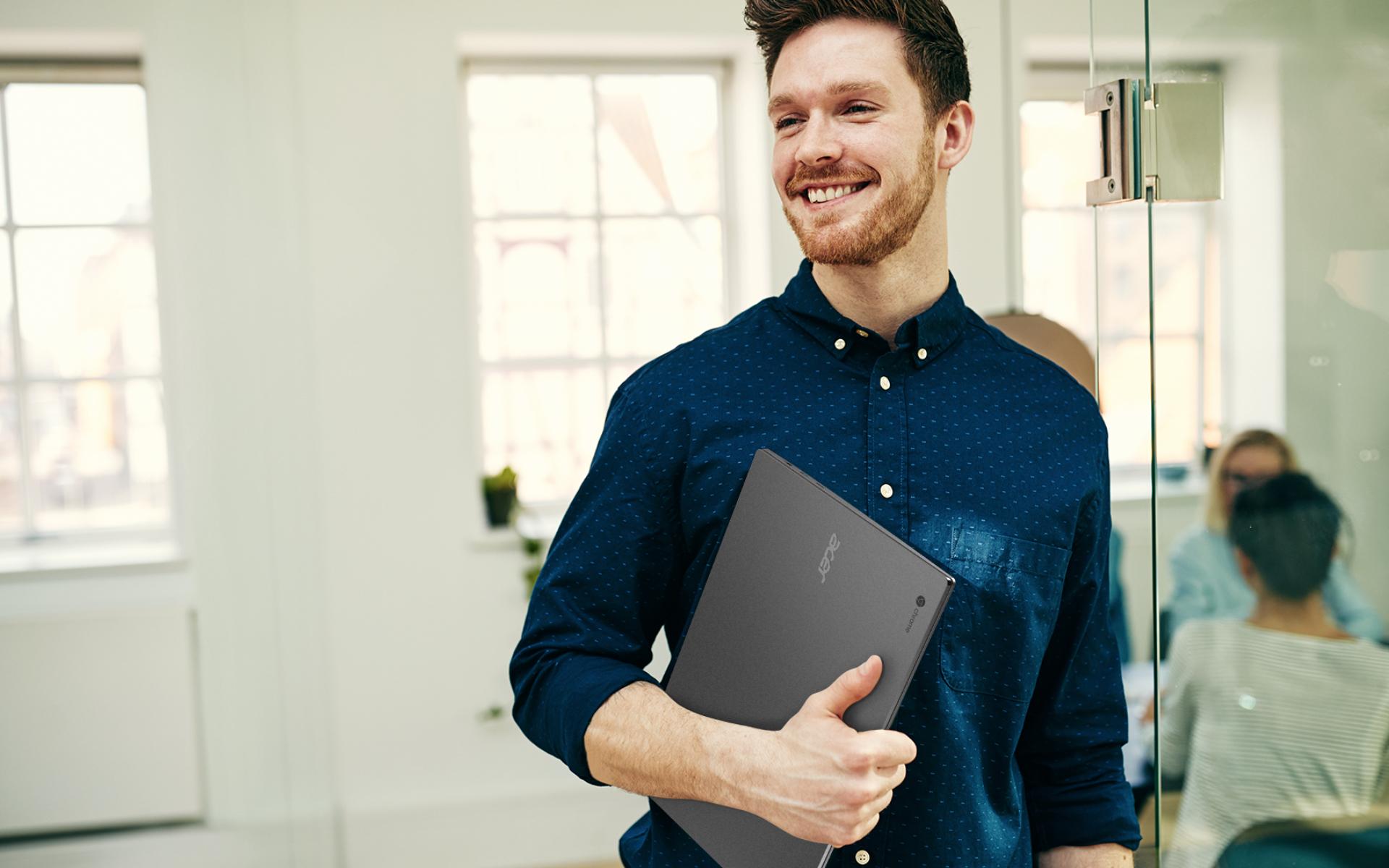 Acer Chromebook 715 - Lifestyle - Large